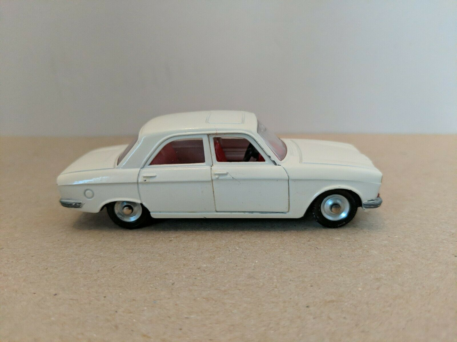Dinky Toys 1428 Peugeot 304, 1969-71 Made in France, Mint