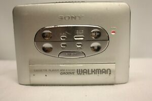Sony-WM-EX550-WALKMAN-CASSETTE-PLAYER-made-in-Japan-di-ricambio-e-riparazione