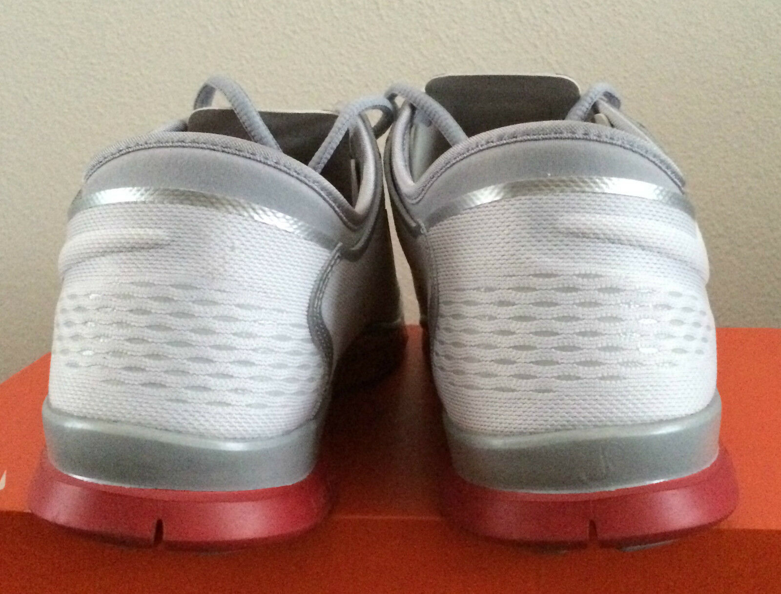 Damenschuhe Größe 15 WEISS ROT Nike Free 5.0 TR Fit 4 Team Athletic Schuhes 642069 109