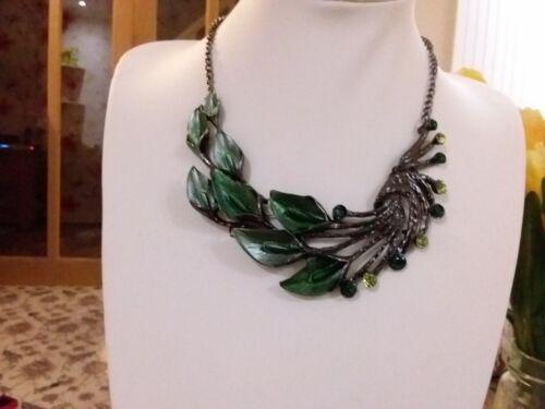 Totalmente Nuevo Aspecto Antiguo Plata Collar Con Cristales Y Verde Esmalte Lilly/'s