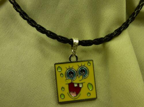 Damen Herren Kinder Spongebob Schwammkopf Anhänger gelb inkl Kette schwarz NEU