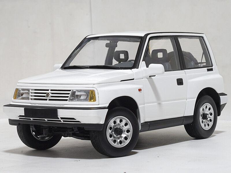 1 18 Dorlop 1989 Suzuki Vitara Escudo blanc Left Hand Drive
