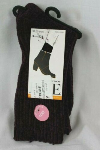 Hue Fuzzy Supersoft Ribbed Ankle Boot Socks One Size Fits Most Color Burgundy