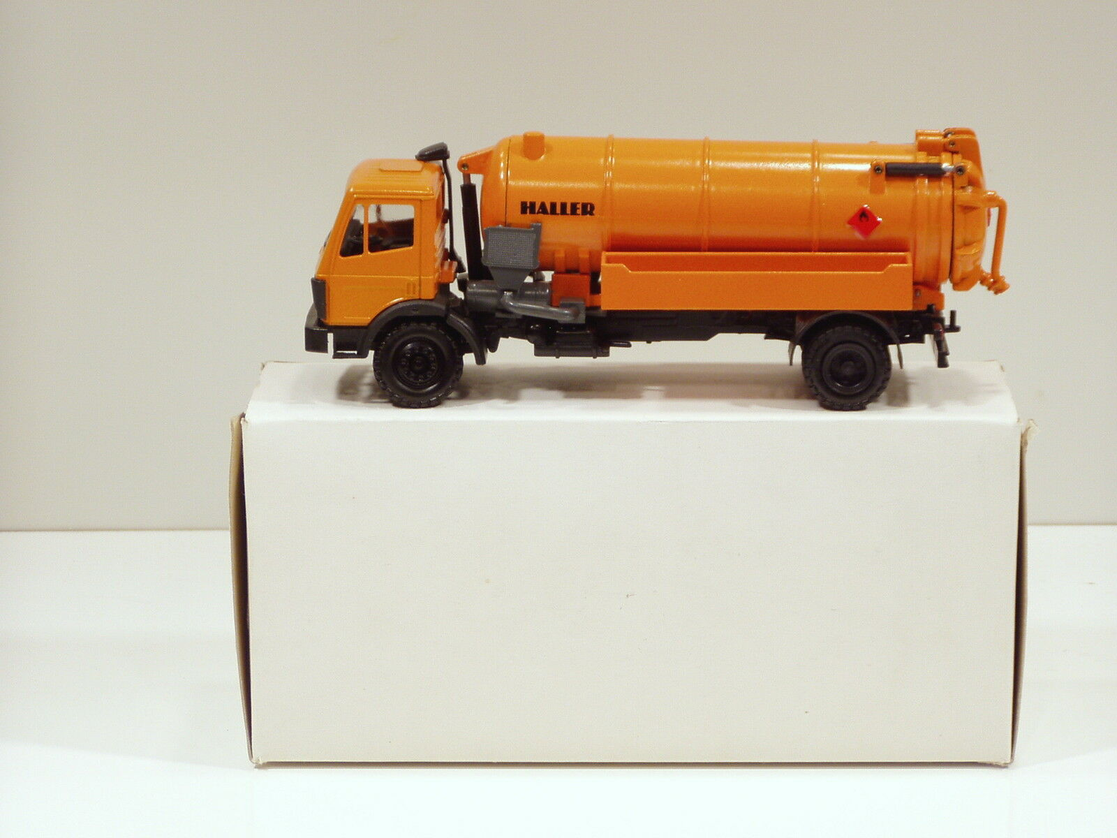 Mercedes Benz  Haller vide Camion - 1 50 - Conrad  3066 - N. Comme neuf IN BOX  nouveau style