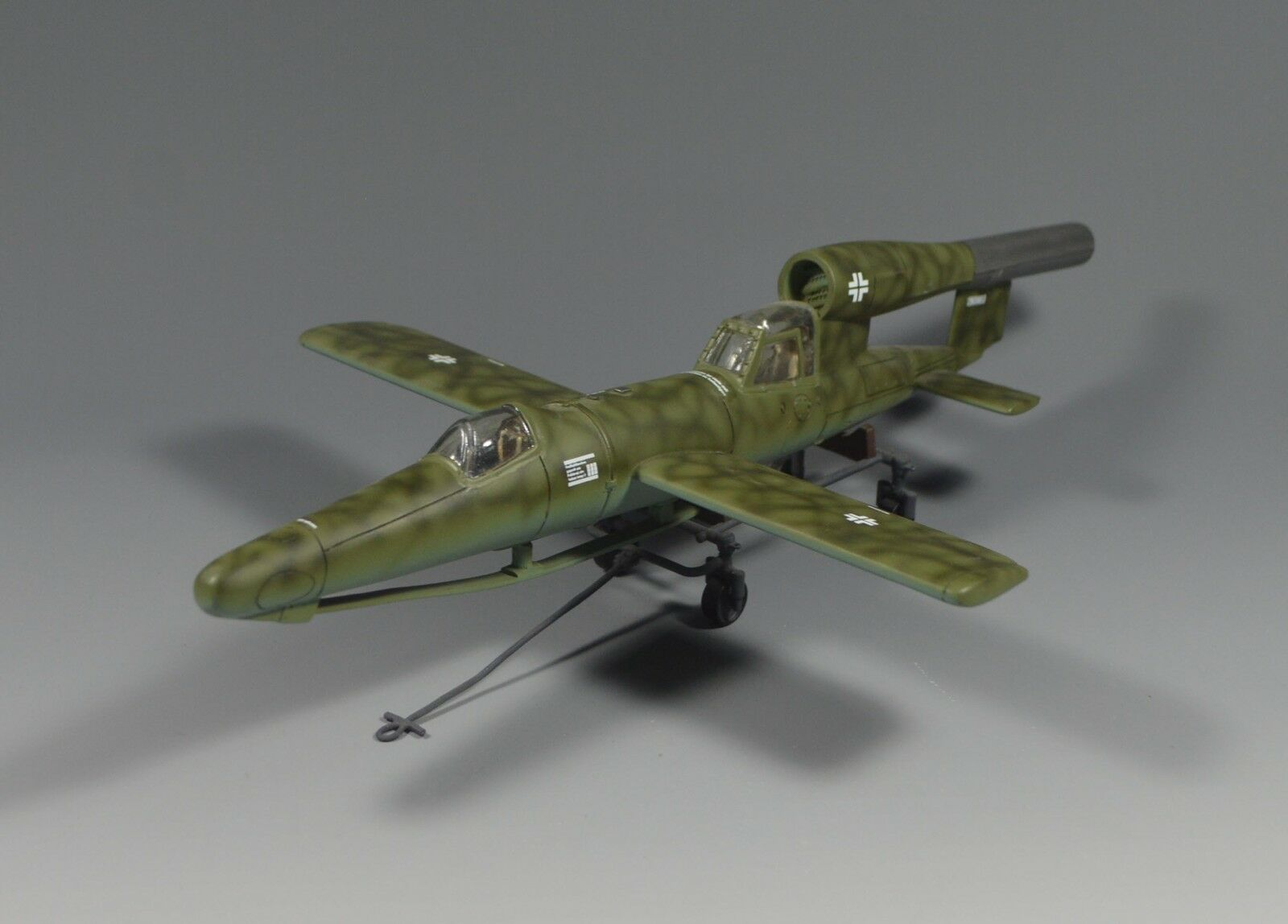 1 30  prebuilt and handpainted ww2 German V1 FI103 Plane