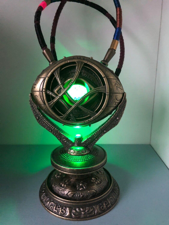 1 1 Doctor Strange Ojo de Agamotto en Stand Full Metal Colección de luz LED