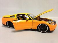 2011 Ford Mustang Gt Customer Shop, Collectible Diecast 1:24, Maisto Toy, Yellow