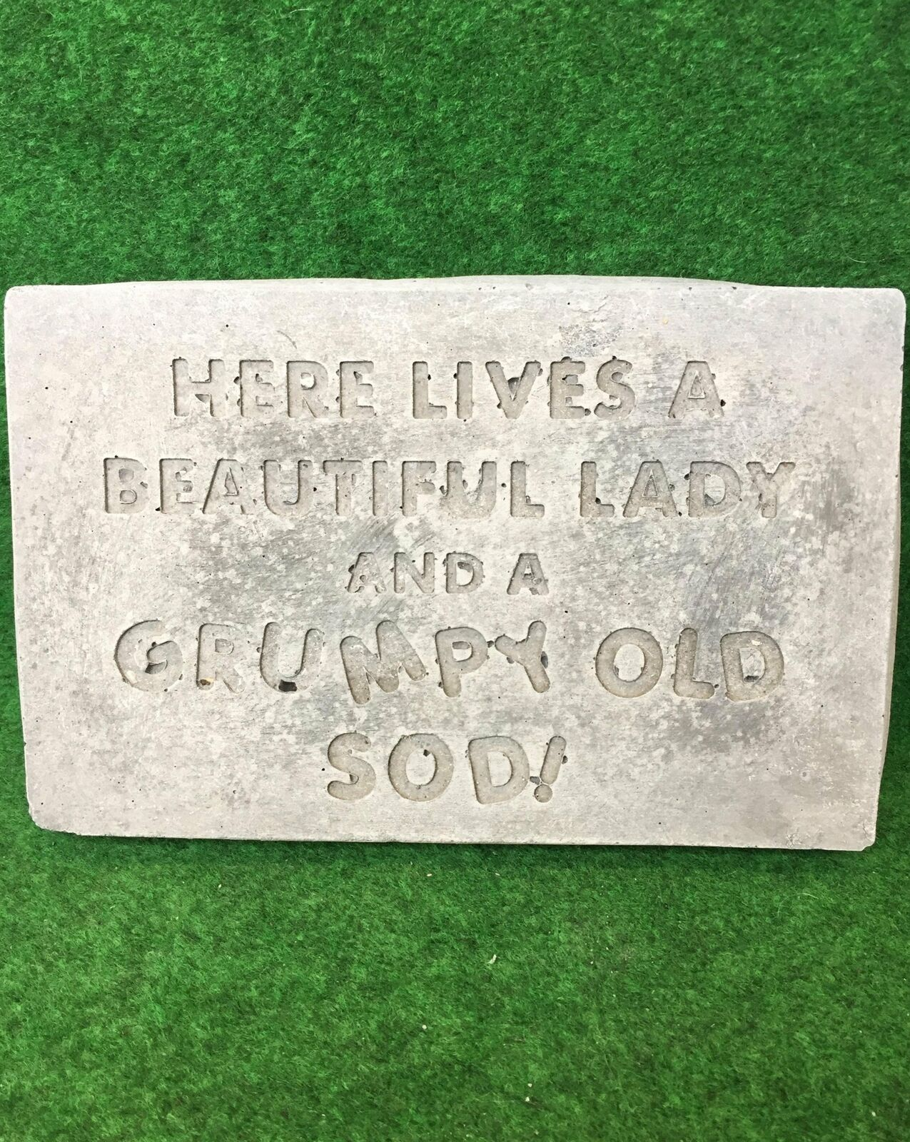 Concrete Wall Plaque Funny Sign Here Lives A Beautiful Lady And A Grumpy Old Sod