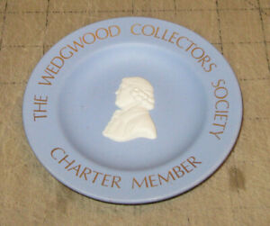 """WEDGWOOD Collectors Society 4.5"""" Diameter Blue Mini Plate - Made in England UK"""