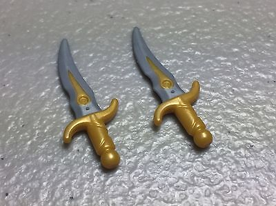 - Pearl Light Gray Minifig Weapon Hand Dagger X2 LEGO