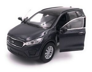 Kia-Sorento-Modellauto-Auto-LIZENZPRODUKT-1-34-1-39-Verschiedene-Farben