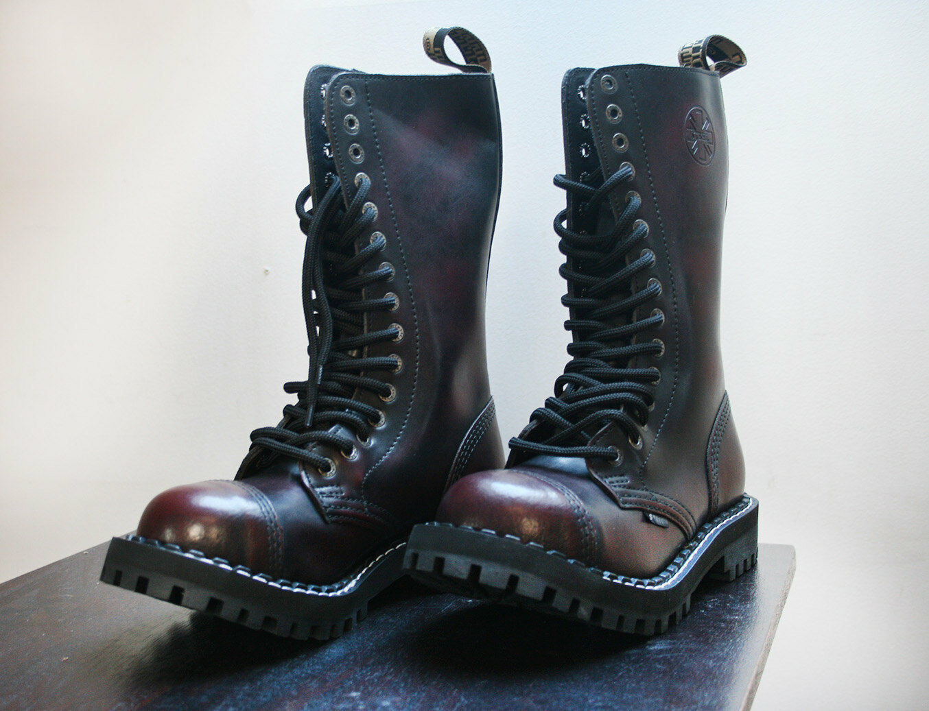 High Top Burgundy Leather Leather Burgundy botas with steel Toe 15 holes blanco Stitch made in UE 07f592