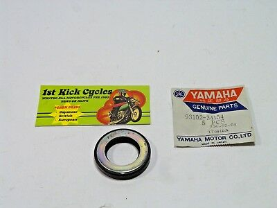 New OEM Yamaha Oil Seal NOS  93102-08205-00