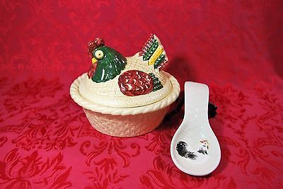 Americana kitchen China Galore Metlox Poppytrail Provincial Blue Damaged hen rooster shakers SEE PHOTOS with flaws Farmhouse Field