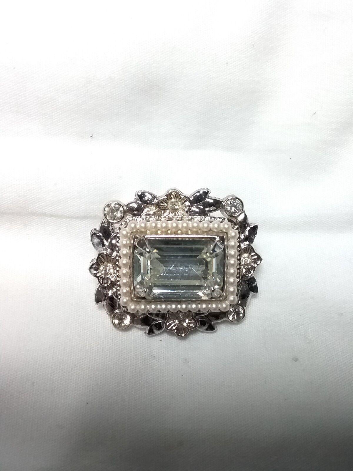 Coro 1940's Crystal Rhinestone & Faux pearl Brooc… - image 1