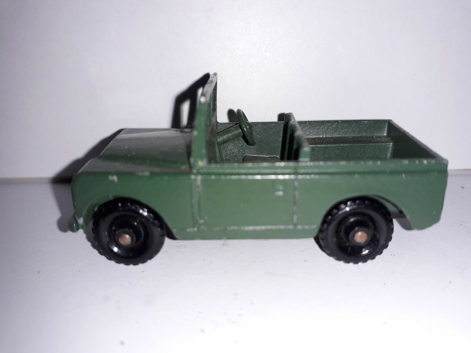 Unboxed Lesney Toys Land-Rover Series II No 12 Military Grün Army