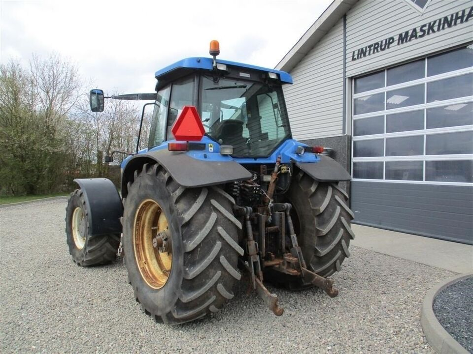 New Holland, 8970 A SS med frontlift, timer 9215