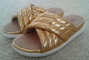 ce8fe4507aa4 Image is loading NEW-FITFLOP-Sandals-Limited-Edition-Metallic-Gold-Quilted-