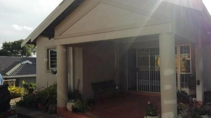 3 Bedroom with 1 Bathroom House For Sale Kwa-Zulu Natal