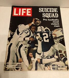 "Vintage Life magazine Dec 3 1971 ""The Suicide Squad"" Violent NFL Footbal Era."