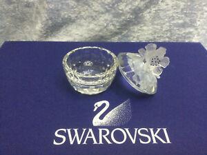 Swarovski Crystal Treasure Box - Round Flowers 7464050000 010068. Retired 1990.