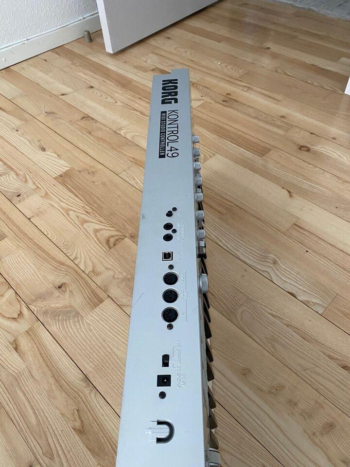 Keyboard, Korg KONTROL49