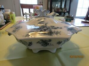 Small-Flow-Blue-Covered-Casserole-Dish