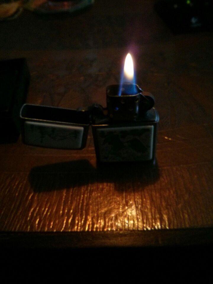 Lighter, ZIPPO LIGHTER MED MOTIV AF FLYVENDE ØRN