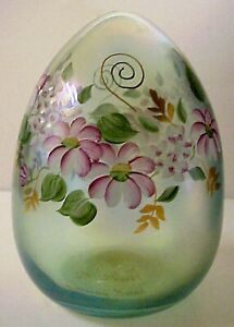 Fenton-Art-Glass-Iridized-5-Inch-Green-Floral-Blown-Glass-Easter-Egg-MIB-1992