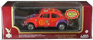 Road Legends 1967 Volkswagen Beetle 1:18  Die Cast Flower Power Edition - New