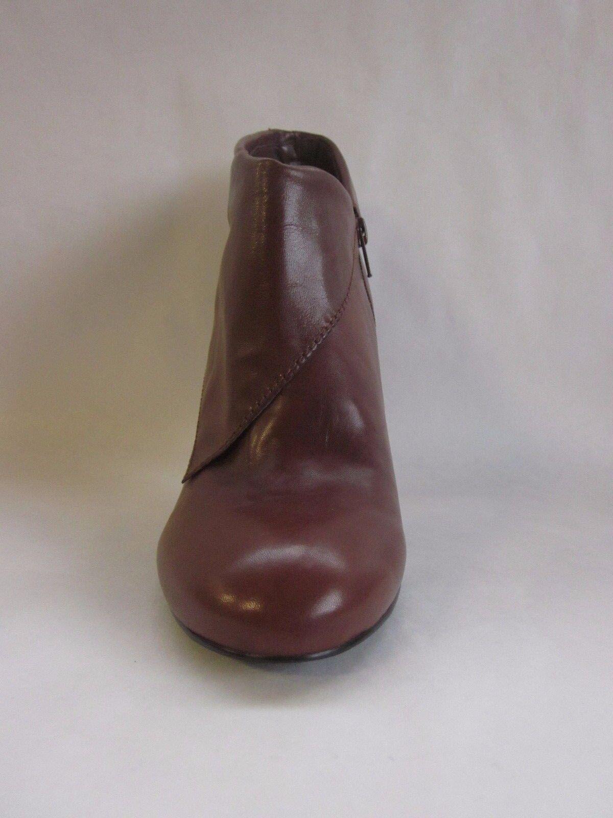 Nine West Zelman Dark Natural Ankle Boots - size 10.5