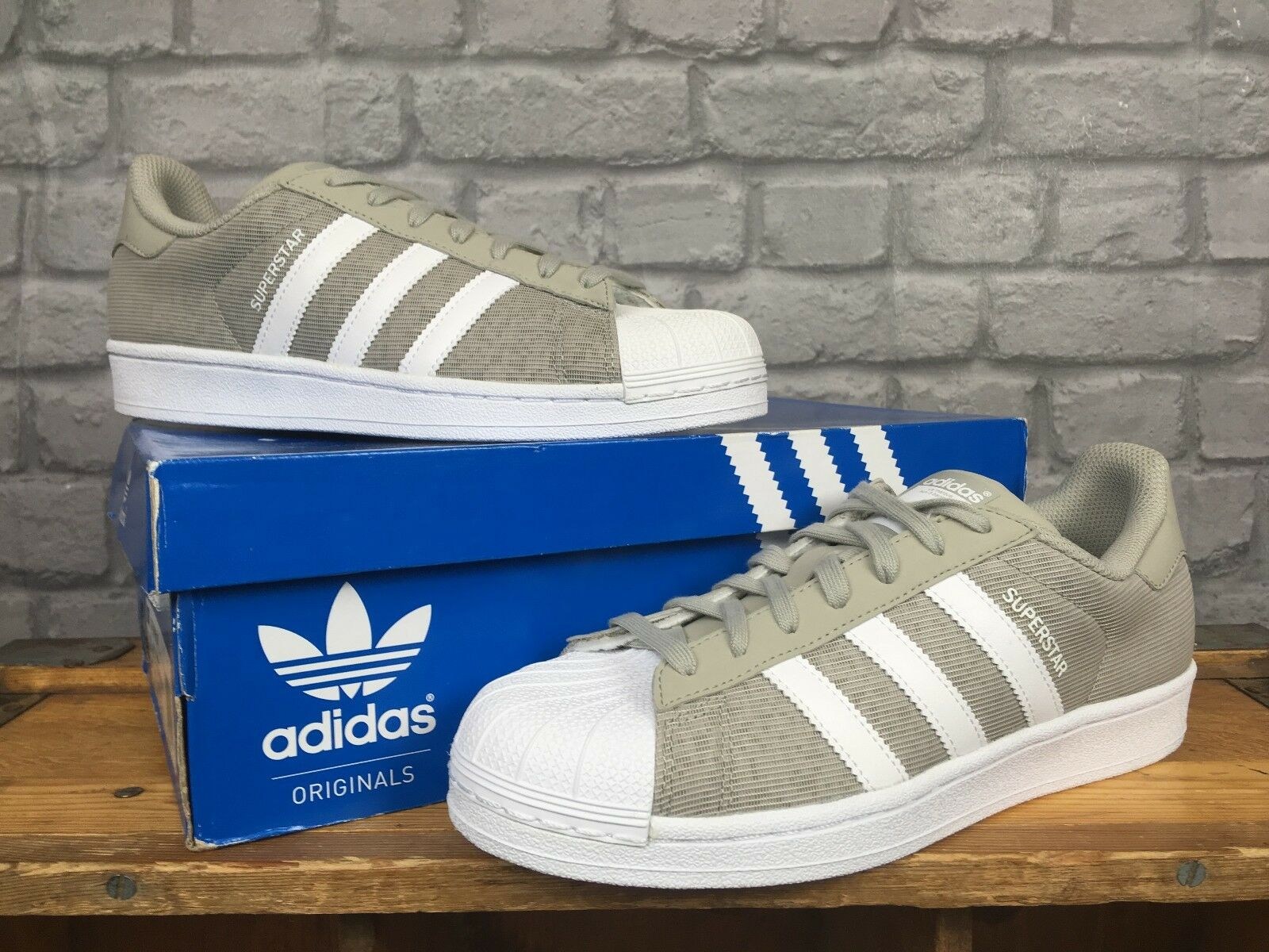 ADIDAS Homme7 EU 40 2/3 Gris / Blanc MESH SUPERSTAR TRAINERS    75