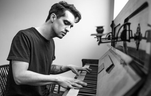 OPTIONS PANIC AT THE DISCO BRENDON URIE POSTER  A5..A4..A3..A2.