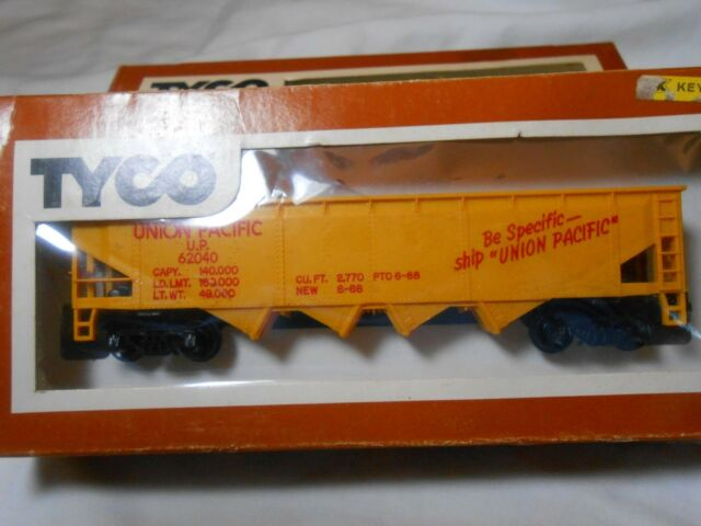 HO TRAIN VINTAGE TYCO QUAD HOPPER UNION PACIFIC UP NEW READY-TO-RUN!