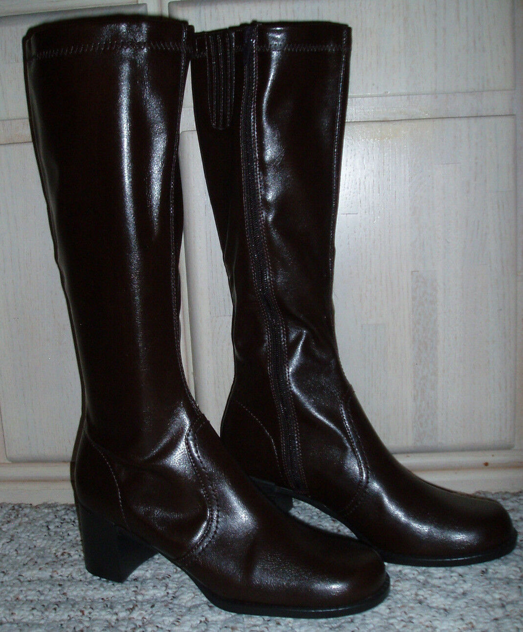 NewWomens KAREN SCOTT 'Flora' Knee High Heel BootsPatent VinylBrownSize 7.5