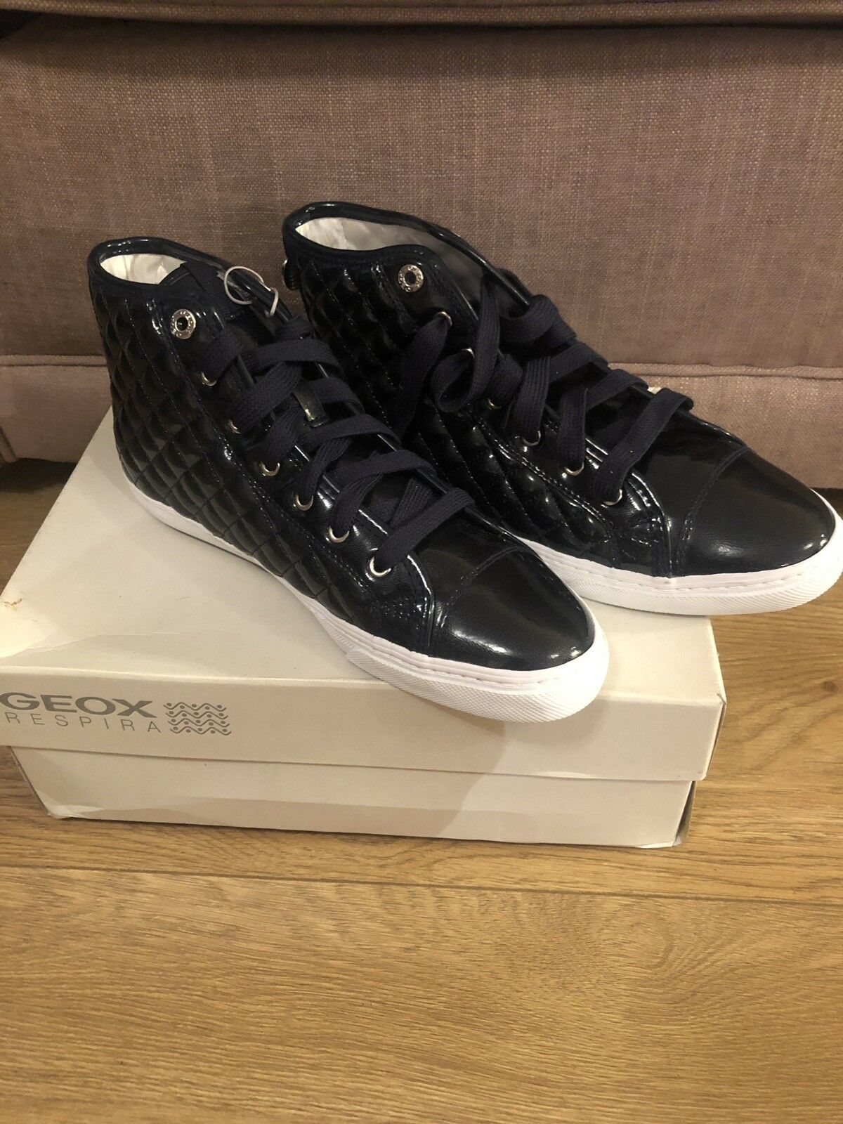 Geox D Giyo New Club A, Women's Hi-Top Sneakers UK 7- Black- Brand New
