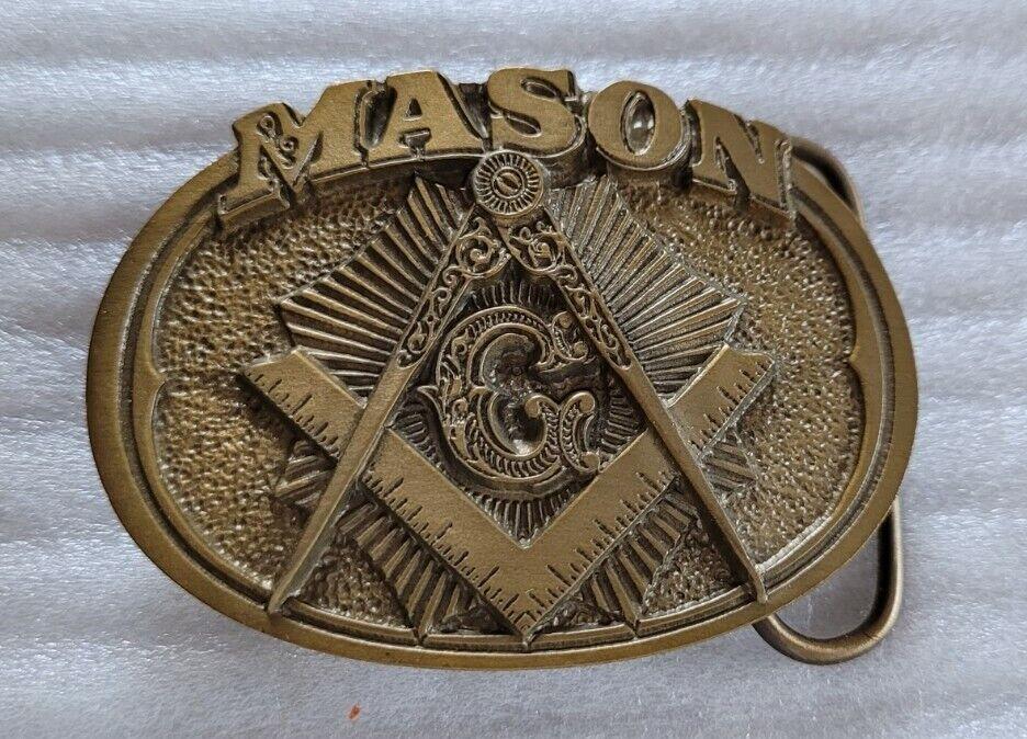 MASON MASONIC SQUARE COMPASS BLUE LODGE G BRASS COLOR FINISH BELT BUCKLE 1985