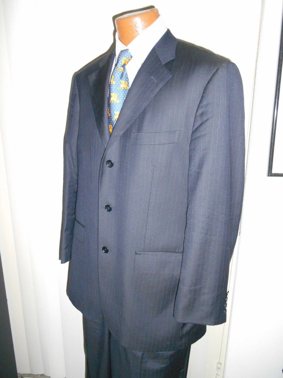 GIANNI MANZONI SUPER 150s FINE STRIPED Suit  SIZE 42 R  From ITALY..   SUPERB