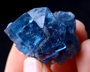 New-Find-Transparent-Blue-Cube-FLUORITE-CRYSTAL-CLUSTER-MINERAL-SPECIMEN-24-03g