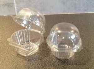 250-Small-Medium-plastique-unique-Cupcake-jour-Muffin-cas-Pods-domes-Boites-Parti