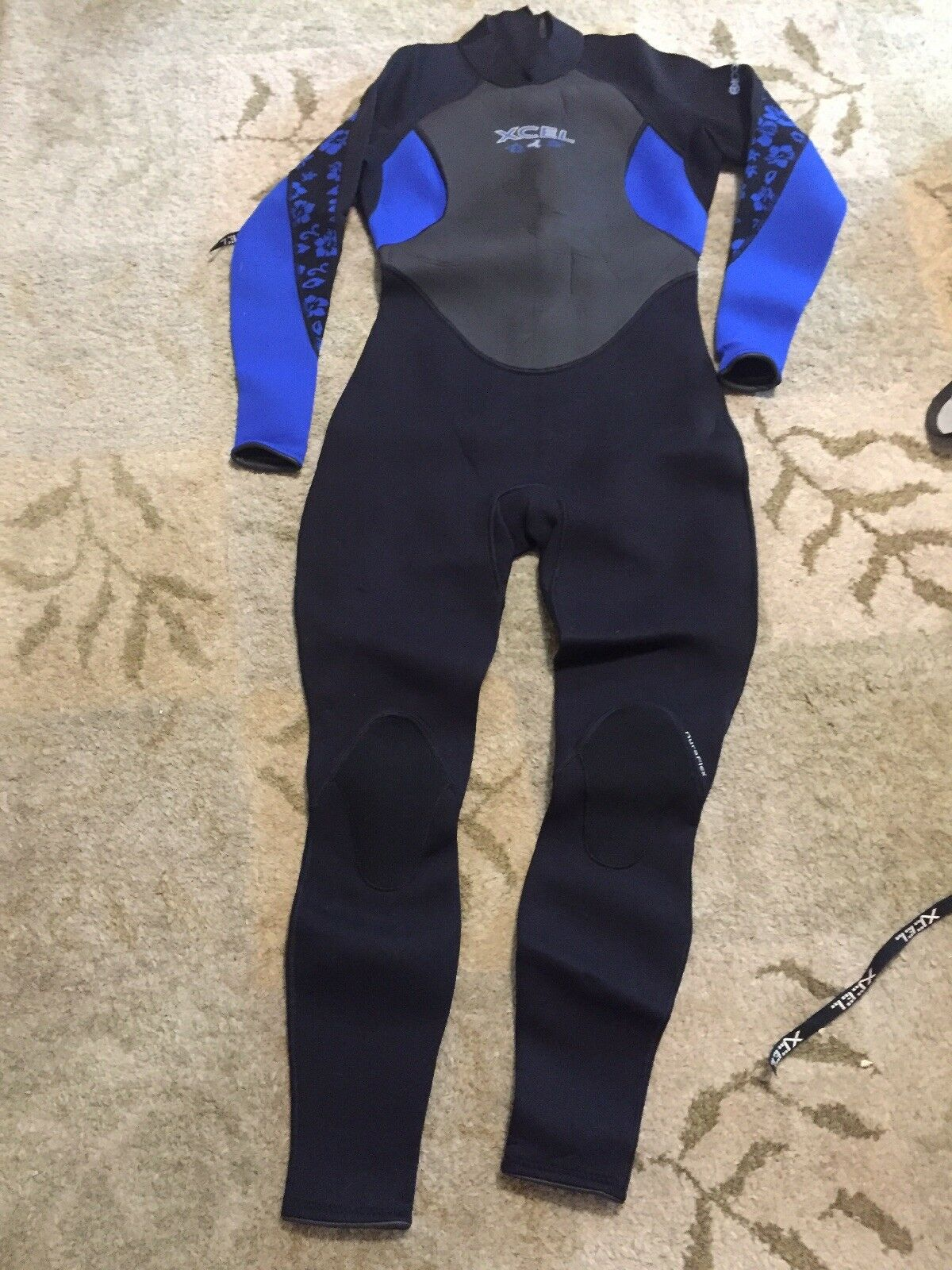 Xcel Hawaii  Full Wetsuit Superlite 3.2 Size 12  on sale 70% off