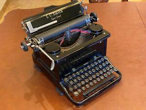 L-C-Smith-amp-Corona-Super-Speed-1930s-all-Black-Antique-Typewriter