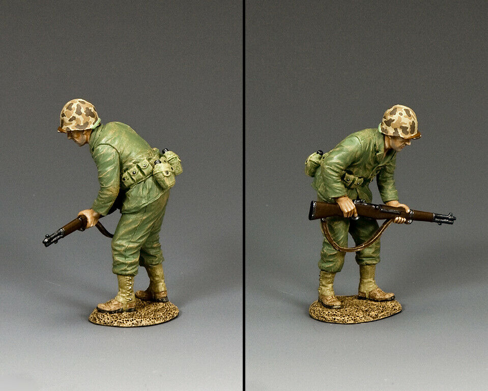 KING & COUNTRY U.S.M.C. USMC051 U.S. MARINE ADVANCING CAUTIOUSLY MB
