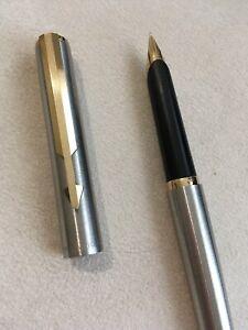 1982 Parker Arrow Steel Flighter Gold Trim Fine Nib Fountain Pen-england. Haute SéCurité