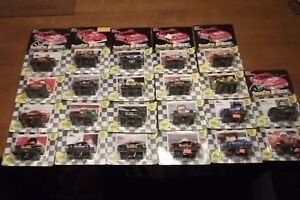 KENNY-WALLACE-21-MORE-1992-EDITION-RACING-CHAMPIONS-CARS-UNOPENED-1-64-SCALE