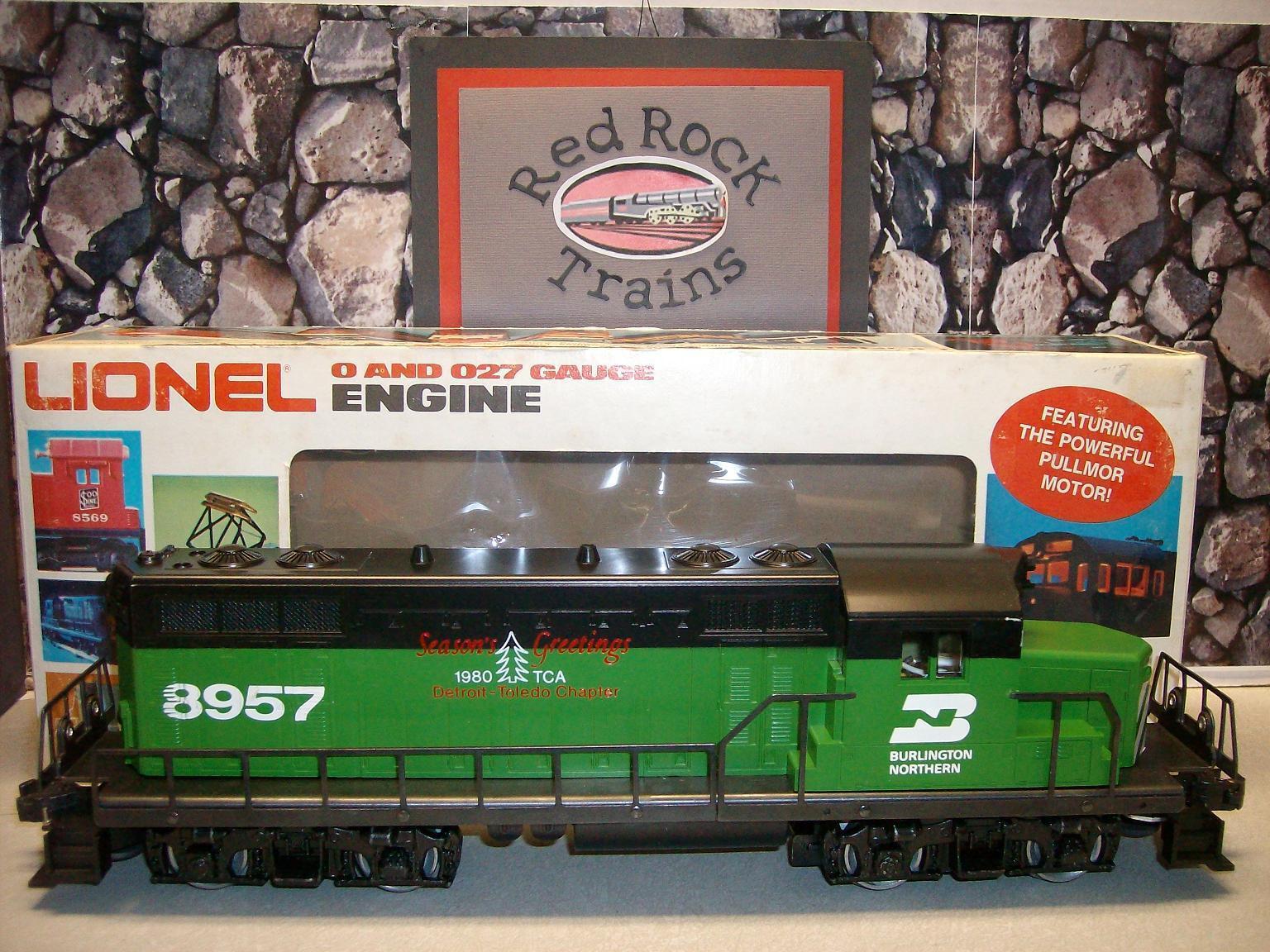 Lionel  8957 DTTCA Burlington Northern GP-20 - 1980 TCA RARE ITEM