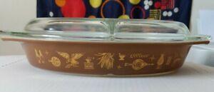 Vintage-1-1-2-Quart-Divided-Casserole-Dish-clear-Lid-945C22-Pyrex