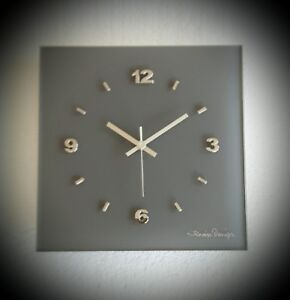Details zu Designer Funk Wanduhr Glas grau silber Chrom Zahlen Wohnzimmer  Büro Küche Luxus