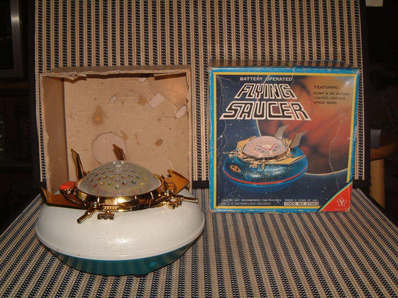 Vintage  ufo  - yonezawa -.batteriebetriebene, voll arbeiten, w   box