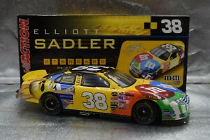 2006-Elliott-Sadler-38-039-M-amp-M-039-s-034-Ford-Fusion-1-24-Action-CWC